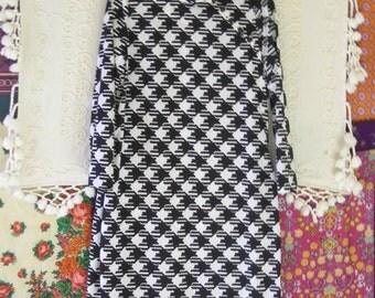 Vintage 70s Black and White Large Geometric Checked Dress Size 16 Montaldos Kapau Coutour