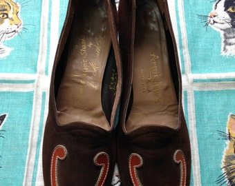 Vintage 1940's chocolate brown suede loafers pumps Wolsam Ltd Morris Wolock Magic Shanks 7 1/2 AAA narrow