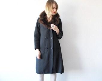 SALE...60s black wool coat. mod coat. 60s winter coat with faux fur collar - medium to large