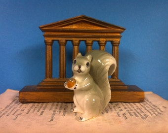 Squirrel figurine, squirrel knickknack, vintage Figurine, Miniature, Menagerie, Decorative Statuette, Knickknack, Collectible, FREE SHIPPING