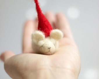 Needle Felt Mouse - Christmas Dreamy Felt Mouse With A Red Hat -Needle Felt Art Doll - Needle Felted Mouse - Mouse Home Decor - Mice Doll