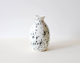 Ceramic porcelain bud flower vase / cream and black speckled / ready to ship
