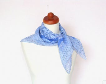 Lovely Vintage 1950's Blue Floral Scarf / Romantic Scarf