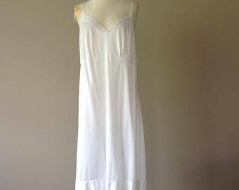 44 / Full Slip / Dress / Plus Size Vintage Shapewear Lingerie White Nylon with Lace / FREE USA Shipping