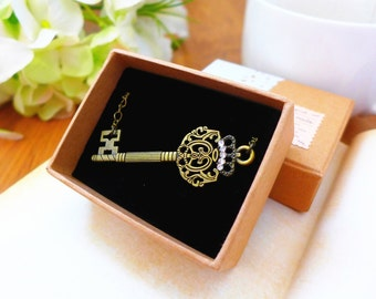 Skeleton Key Necklace, Victorian Key Necklace, Sideways Key Jewelry, Key Pendant Necklace, Key Charm Necklace, Bridesmaid Gift Retro Jewelry