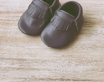Baby Moccasins Leather Baby Moccs Dark Grey Fringe Leather Baby Moccasins 100% Leather Moccasins Baby Moccasins Shoes Toddler Moccasins
