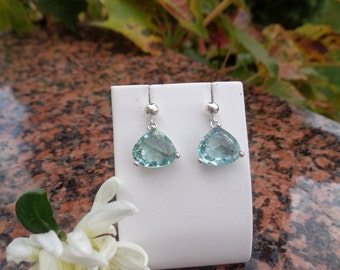 Earrings, silver, with delicate green sparkling Crystal