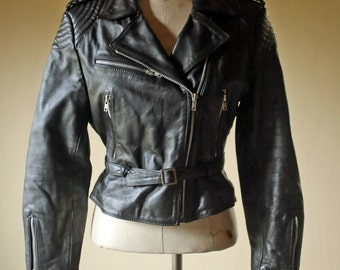 Bermans womens motorcycle Vintage Medium Black Leather Biker Jacket Moto Silver YKK Zipper Lined Broken In / Leather Biker Jacket girls 10
