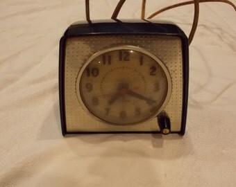 vintage bakelite ge clock