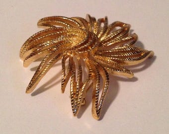 Monet Brooch, vintage