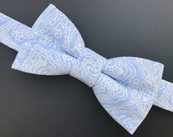 Light blue paisley bow tie. Blue bow tie. Candy blue bow tie. Blue baby bow tie. Blue man bow tie.