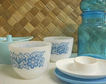 Retro Vintage Kitchen Ware Collection
