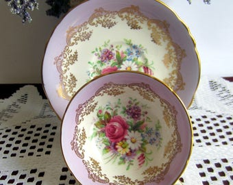 Paragon A2849/3 Mauve Bands with Floral Center  Wide Mouth Bone China Tea Cup and Saucer