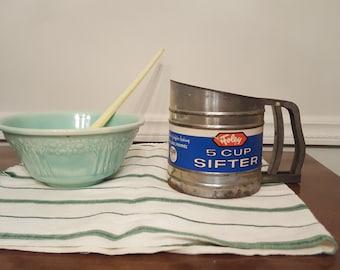 Vintage Metal Foley 5 Cup Sifter