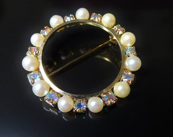 Vintage Brooch Pin Circle of Faux Pearls Alternating with Aurora Borealis Rhinestones on Gold Tone Rim Sparkling Special Occasion