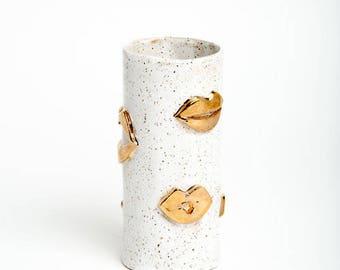 White Kiss Vase