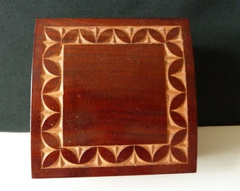 Haitian wooden caved box,Jewlery box,Wooden trinket box,Treasure box,