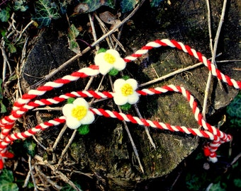 Martenitsa, Needle felt martenitsa, Martenitsa flower, Felted spring flower, red and white, Baba Marta,