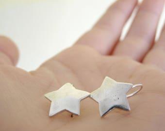 Minimal star earrings; dangle minimal star earrings, long star earrings, silver minimal stars, dainty long earrings, simple minimalist stars