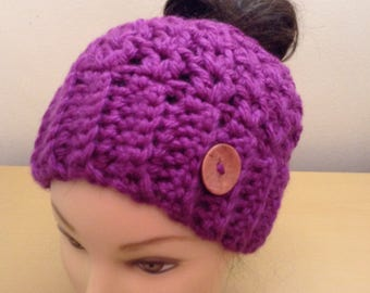 Messy Bun Hat >> Made To Order >> Ponytail Hat >> Messy Bun Beanie >> Beanie With Ponytail Hole >> Beanie With Hole >> Winter