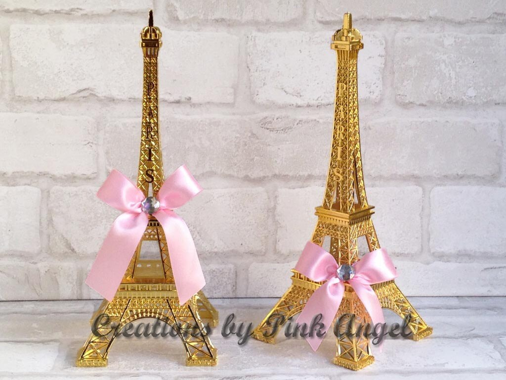 Gold eiffel tower centerpiece and pink paris