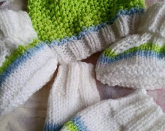 Giggle hat, mitts and bootees
