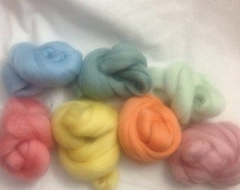 100g wool roving packs each pack contains 10g merino 10 different colours in each selection pack. Free UK post