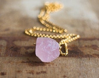 Rose Aquamarine Necklace, Raw Morganite Crystal Necklace, Pink Beryl Stone, Pink Emerald, Rough Stone Jewellery, Pink Aquamarine Jewelry