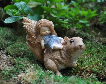 Baby Fairy on Squirrel