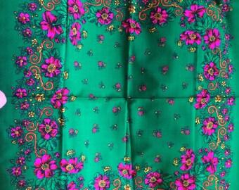 Floral 100% wool scarf