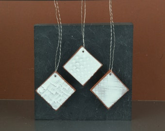 Set of 3 white ceramic pendant