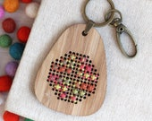 Harvest Knot / Bamboo Embroidered Keyring Kit / Variegated Embroidery / DIY Geometric Double Cross Stitch Smyrna Stitch
