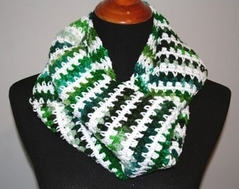Crocheted Cowl, Green and White Stripes; Striped Crochet Cowl, Green Crochet Cowl, Small Crochet Cowl, Crochet Winter Scarf