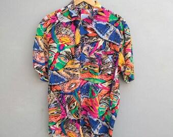 Vintage Jams World Hawaiian shirt avant garde psychedelic. 100% rayon. Made in USA