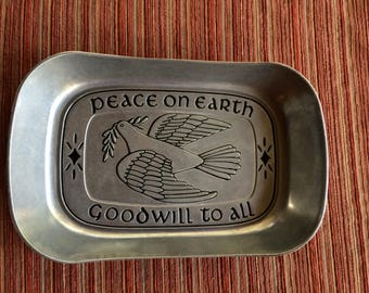 Bread Bowl,Bread Server,Pewter Bread,Bread Plate,Metal Bread,Silver Bread Plate,Silver Bread Bowl,Metal Bread Bowl,Peace Kitchen,Peace Bowl