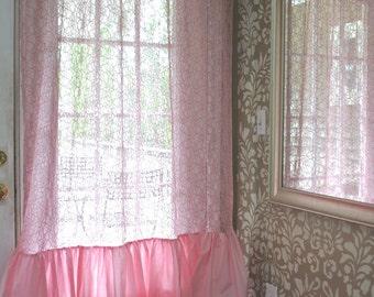 Lace a Ruffled Curtain