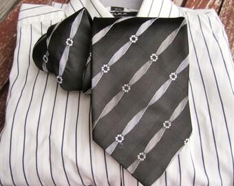 Black and silver tie, Neck Tie Vintage neckties, Neck, Ties, Neckties, Mens Necktie, Vintage Tie, Vintage necktie, Free Shipping