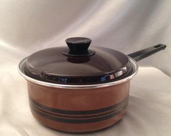 "Hendler & Hart Pointerware Enamelware Covered Pot 9""/Vintage Pointerware brown covered pot/Pointerware HH South Africa Enamelware"