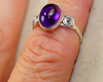 Amethyst & 925 Sterling Silver Ring size 7 by Silver Trend