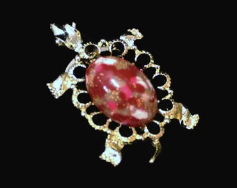 Gerry's Turtle Brooch, In Gold Tone With Red Marbilized And Gold Sparkle Cabachon