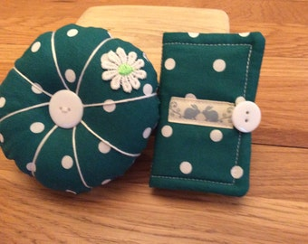 Sewing Needle Case and Pincushion Set in a lovely Jewel Jade Green. Fabulous gift for a friend, your mom or treat yourself