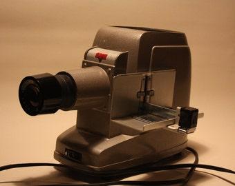 Vintage SVE Skyline Automatic Slide Projector Model 85