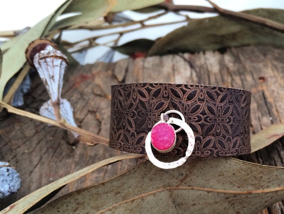 Bracelet of leather with silver and Druze