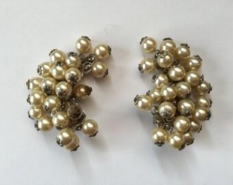 Vintage Faux Pearl Cha Cha Earrings 0808