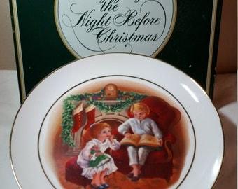071 - Avon Christmas Plate 1983 - Enjoying the Night Before Christmas