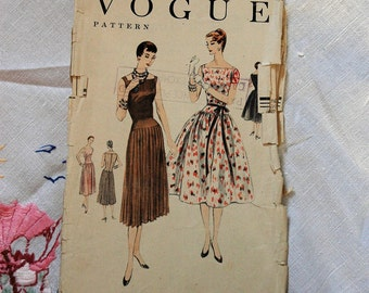 Vintage dress pattern, Vogue 8501, cocktail dress, size 34 inch bust, 1954-55