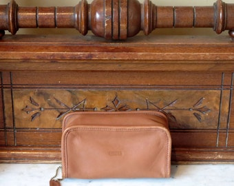 Spring Sale Coach Cosmetic Bag In British Tan Leather With Interior Mirror And Zippered Closure- EUC