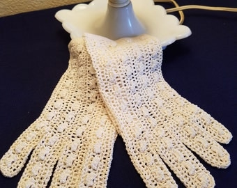 Vintage Falbala Crochet gloves, vintage gloves, made in France, hand made in France, crochet gloves, wedding gloves, beaded ivory gloves