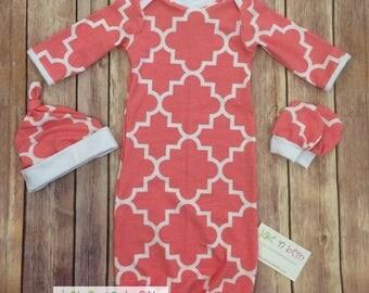 Baby gown, knot hat, and no scratch mittens, newborn set, girl baby, pink quatrefoils