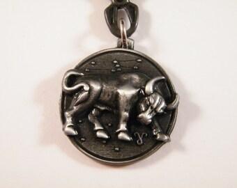 Taurus zodiac sign keyring, taurus keychain, horoscope gift, bag charm, astrology gift, star sign keychain, bull charm jewelry, unisex gift